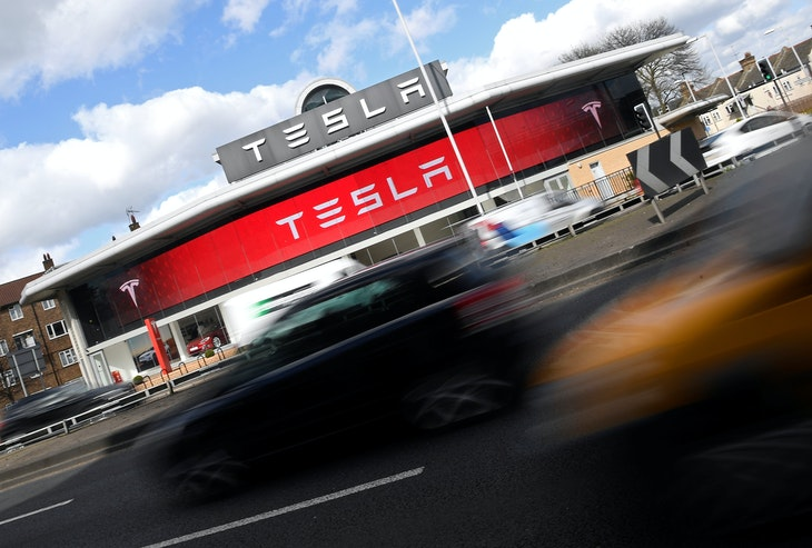 A Tesla car showroom is seen in west London, Britain, March 21, 2017.  REUTERS/Toby Melville - RTX320CA