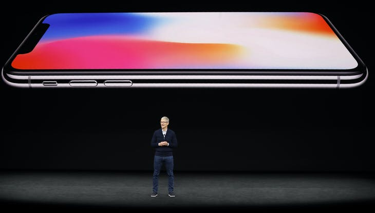 Tim Cook, CEO of Apple, speaks about the iPhone X during a launch event in Cupertino, California, U.S. September 12, 2017. REUTERS/Stephen Lam - HP1ED9C1IQMDG