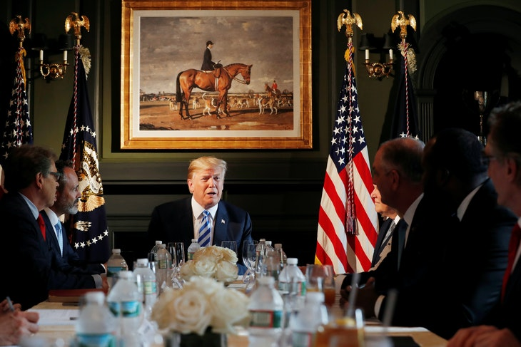U.S. President Donald Trump participates in a roundtable discussion with state leaders on prison reform in Berkeley Heights, New Jersey, U.S., August 9, 2018.  REUTERS/Carlos Barria - RC1236A965A0