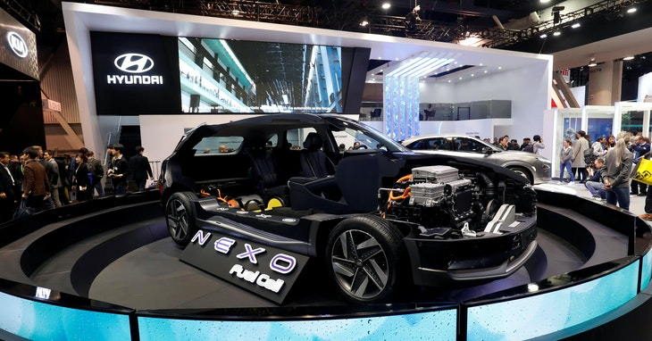 A cutaway display of a Hyundai NEXO fuel cell car is shown at the Las Vegas Convention Center during the 2018 CES in Las Vegas, Nevada, U.S. January 9, 2018. REUTERS/Steve Marcus - RC13A38EC620